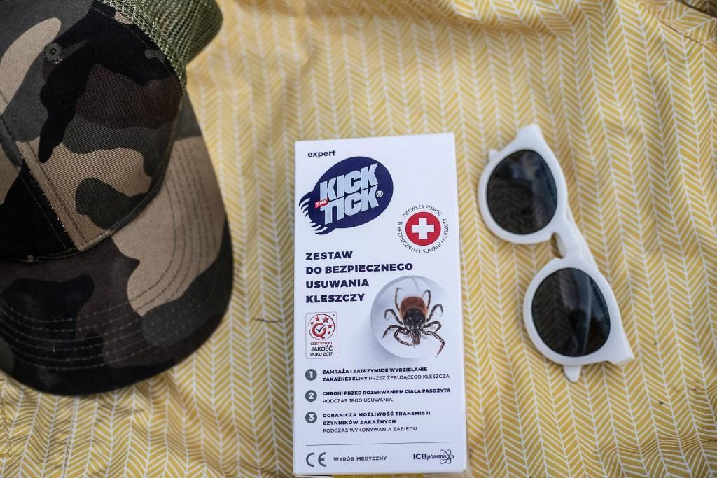 zestaw do bezpiecznego usuwania kleszczy kick the tick - zdjęcie opakowania