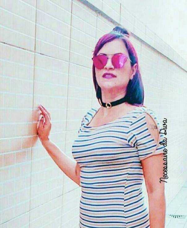 Necessaire da Diva photostudio_1489484423662 Look: vestido básico e choker. Moda  Vestido listrado Vestido esportivo Vestido e choker Vestido básico vestido Street Óculos de sol Dior Óculos de sol 2017 Óculos de sol Necessaire da Diva Moda street Moda de rua Moda choker moda Meu Look Look da moda Half bun Estilosa Dicas de vestido dicas de moda Cris womem bussiness Coque medio Choker Blog de moda Básica e na moda babis dias #blogueira