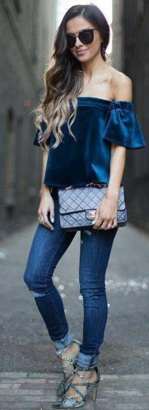 Necessaire da Diva 21249bd0cbe53b58120b86db6d321718 Veludo na moda 2017: os melhores looks. Moda  Veludo na moda Pinterest Moda 2017 moda Melhores looks com veludo Looks dicas de moda dicas