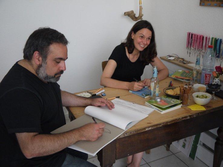 Mehrdad Zaeri und Tanja Jacobs signierten ihre Bücher | Foto: M. Schülke