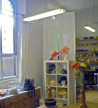 Nur nach Terminabsprache ist das Atelier der Hutmacherin normalerweise geöffnet   Foto: Ruth Fanderl