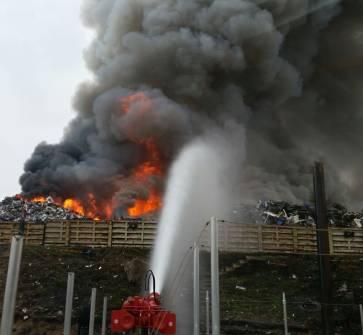 img 0285ed - Großbrand bei Recyclingunternehmen (Update)