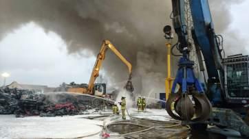img 2473ed - Großbrand bei Recyclingunternehmen (Update)