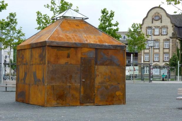 Das erste Einraumhaus stand noch mitten auf dem Alten Messplatz | Foto: Einraumhaus