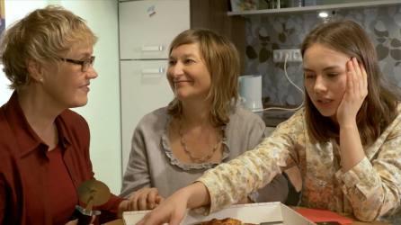 Lia und ihre Mütter | Screenshot: CACM