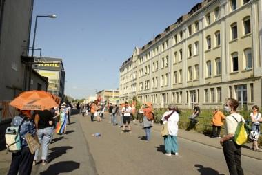 Demo vor der Landeserstaufnahme in der Industriestraße   Foto: Helmut Roos (helmut-roos@web.de)