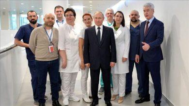 """Photo of """"Sputnik V""""/ Rusia aprovon vaksinën e parë kundër COVID-19,"""