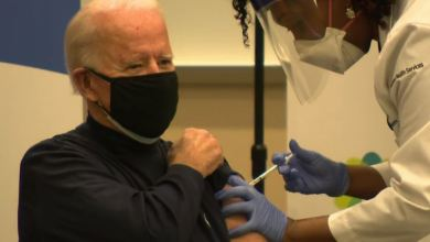 "Photo of Video/ Joe Biden bën ""live"" vaksinën anti-Covid"