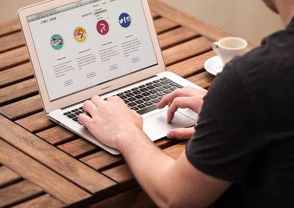 Vacation rental website builders
