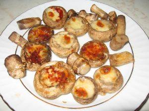 patates-pureli-kasarli-mantar-tarifi-aperatif-tarifler