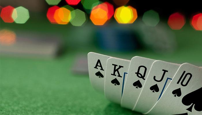 Cara Mengatasi Kartu Jelek Bermain Judi PokerV Online