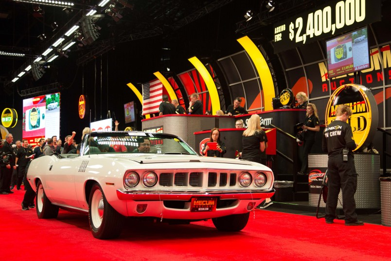 1971 Plymouth Hemi Cuda Convertible (Lot F102) Photo by Maggie Pinke, Courtesy of Mecum Auctions.
