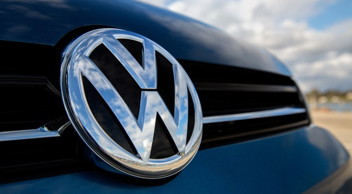 VW PROMETE SUPERAR A TESLA CON LA MAYOR FLOTA DE COCHES ELÉCTRICOS DEL MUNDO