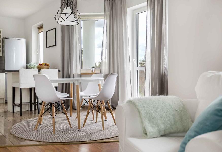 In questo articolo, vi proponiamo 9 idee di arredamento con le tende per arredare il soggiorno. Come Scegliere Le Tende Da Salotto Perfette