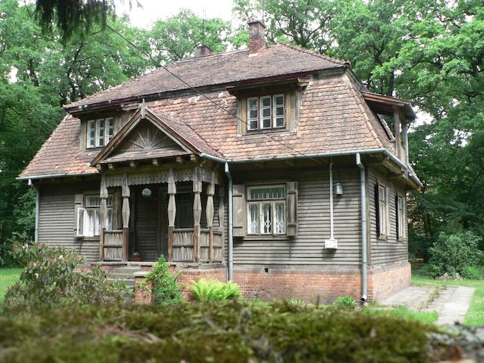 Villa a hagyományos lengyel fa építészet szerint