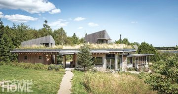 Contemporary Maine compound rooftop garden