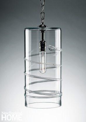 An Amalia column pendant lamp.