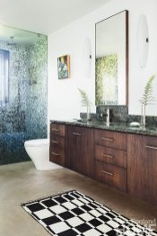 Elliot + Elliot Architecture master bath