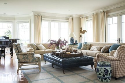 The sun-washed living room epitomizes the owners' wish for a traditional seaside house with a modern air.