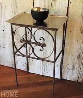 Beyt Shama side table