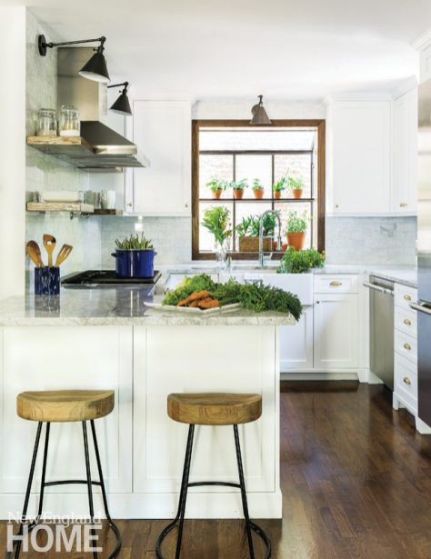 Contemporary Cambridge home kitchen