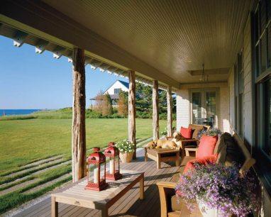 Albert Righter & Tittman Architects Rustic Porch Sitting Area