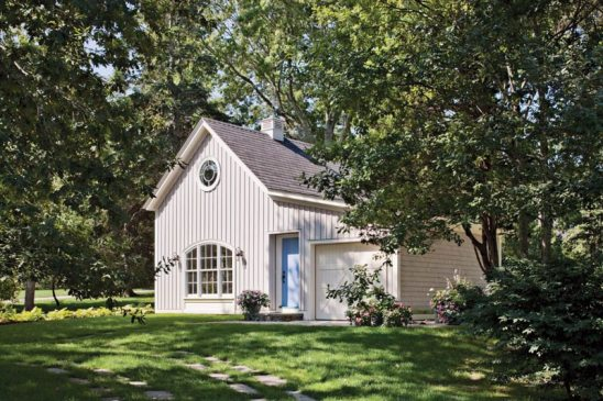 A one-bedroom cottage holds overflow guests
