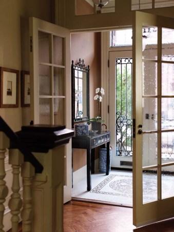Anne Becker foyer