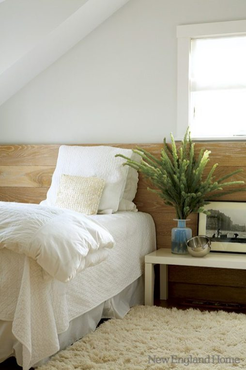 Matthew Moger designed the master bedroom's elongated headboard.
