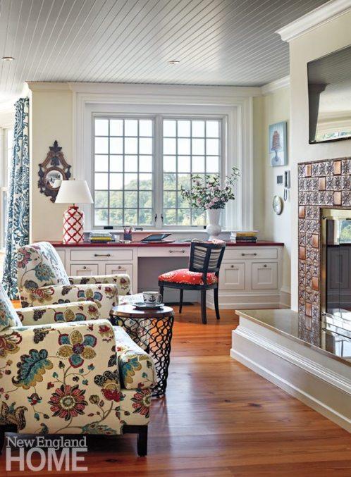 Rhode Island Shingle Style Kitchen Sitting Area