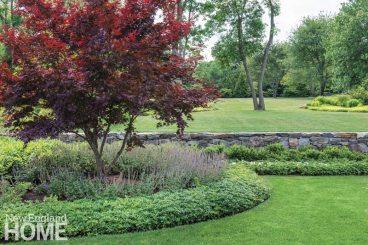 Jamestown Shingle Front Garden