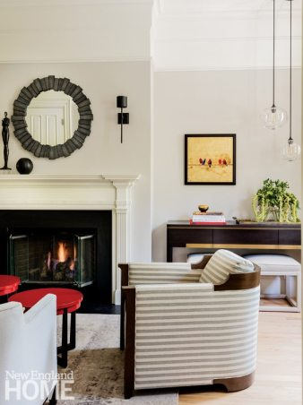Boston Town House Living Room with Barrel Seat