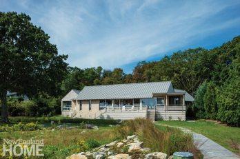 Modern on Mason's Island Back Deck