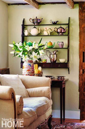 living room with plate rack