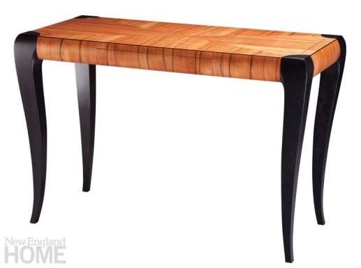 Gazelle writing desk in Chilean tineo with ebonized cherry.