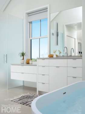 Contemporary Nantucket white bathroom