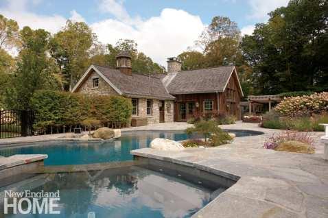 Organic shaped pool