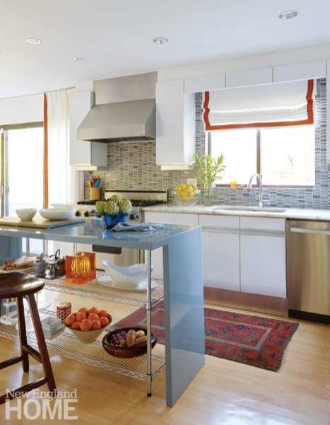 kitchen, gray tile backsplash, custom-built island in high-gloss lacquer
