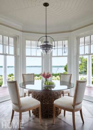 A gorgeous alcove with unparalleled views holds the family's only indoor dining space.