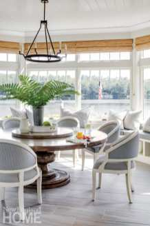 Classic New England Charm breakfast room