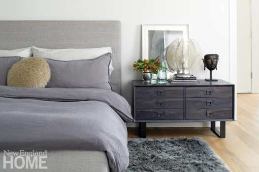 Mar Silver's Home bedroom