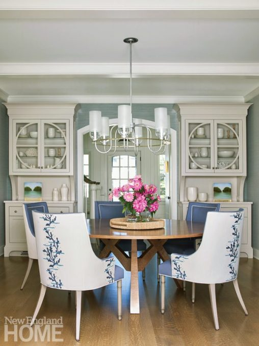 quonnie beach house dining room