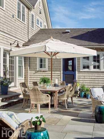 quonnie beach house patio