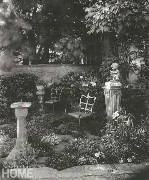 Beatrix Farrand black and white garden