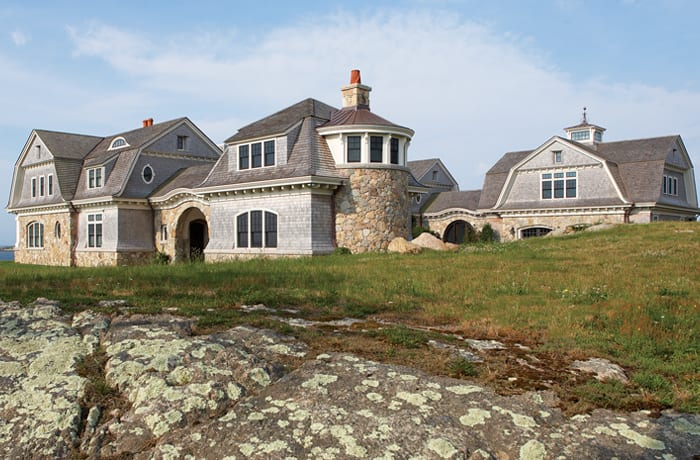 A Grand Shingle-Style Home on The Rhode Island Coast