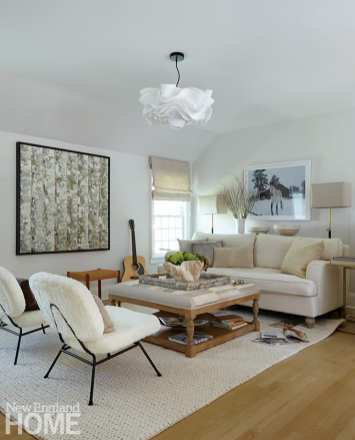 Family room with neutral furnishings