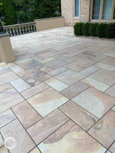 Some finishes, like this Pink Tan Flagstone, have lots of movement and color variation.