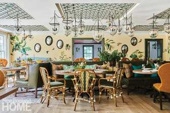 The garden room features a mural by Zoë Design; it was inspired by the eighteenth-century nature illustrations of Moses Harris.