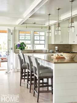 White Nantucket kitchen.