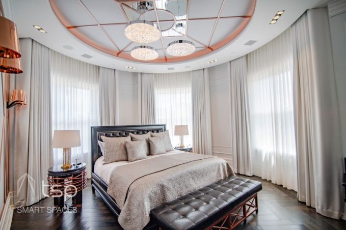 Overlooking the historic Back Bay of Boston, this art-deco mansion leverages home automation to create a smart home based on comfort and convenience.